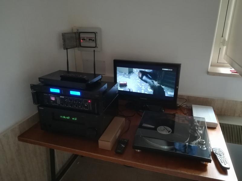 ONLUS - tavolo elettroniche
